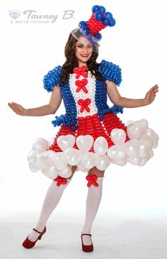 Balloon dresses in Las Vegas created by Tawney B. http://worldinflated.com