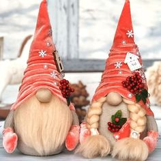 1 million+ Stunning Free Images to Use Anywhere Handmade Christmas Crafts, Christmas Crafts For Adults, Christmas Gnome, Christmas Decorations, Christmas Ornaments, Holiday Decor, Scandinavian Gnomes, Newspaper Crafts, Diy Weihnachten