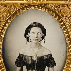 Texas 1857 - lots of jewelry, etc.