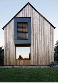 In the Yvelines, a couple of owners built a passive house inspired by Japanese architecture. This house in particular design consumes only / / year. Houses Architecture, Architecture Design, Residential Architecture, Amazing Architecture, Contemporary Architecture, Minimalist Architecture, Contemporary Homes, Japanese Architecture, Scandinavian Architecture