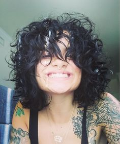 Curly Hair Cuts, Curly Hair Styles, Kehlani Short Hair, Sexy Tattoos, Girl Tattoos, Kehlani Parrish, Edgy Hair, Celebrity Wallpapers, Bad Girl Aesthetic