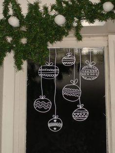Verziere auch die Fenster ein wenig weihnachtlich mit Fensterstiften. Ich werde das heute noch machen! - DIY Bastelideen
