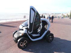 Renault Twizy, Promenade des Anglais, Nice, Greenrent, location de voiture.