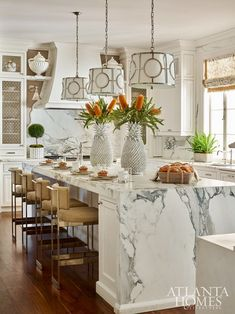 Mix and Chic: Inside a bright and beautiful transitional Nashville home!