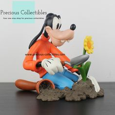 For more information check out the extended gallery at our collectibles webshop. Favorite Cartoon Character, Looney Tunes, Cartoon Characters, Bowser, Walt Disney, Gardening, Statue, Gallery, Check