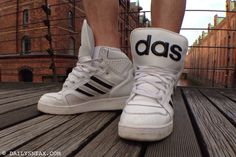 day 102: Adidas Jeremy Scott #adidas #adidasjeremyscott #jeremyscott #sneakers - DAILYSNEAX
