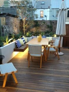 Deck seating ideas and decorating (22)