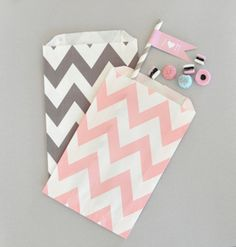 Chevron & Dots Goodi