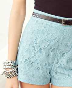 I've been thinking about buying lace shorts, and these are great! Fantastic color, and I especially love the studded belt with it.