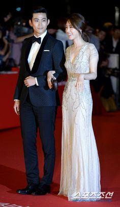 [Photos] 18th Busan International Film Festival Red Carpet Actresses @ HanCinema :: The Korean Movie and Drama Database