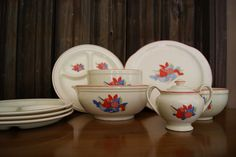 Universal Dinnerware incorporated in Cambridge Ohio in 1934 the outgrowth of several smaller companies in the area they produced many lines of dinnerware and kitchenware.  Best known for ballerina dinnerware.
