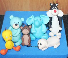 Fondant animals Fondant Animals, Fondant Cakes, Smurfs, Character, Art, Art Background, Kunst, Performing Arts, Lettering