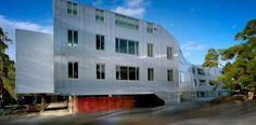 Instituto Chisholm  en Australia. Danpalon 16mm Color: hielo. Despacho @CoxArchitects