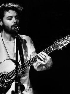 Image result for simon neil Simon Neil, Biffy Clyro, Much Music, All About Music, Cool Bands, Victorious, Baby Jesus, Guys, Image