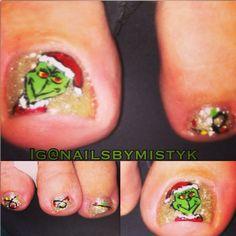 Christmas nail art. Grinch nail design. December nail art