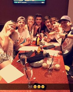 This is the squad y'all #bruhitszach #babyariel #zariel @bruhitszach  @BabyAriel @beechloren02 @westonkoury1 @BrennenTaylor @ItsNickBean @itsMarioSelman