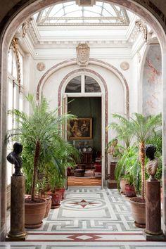 Archways dividing room spaces Jardin d'Hiver | Musée Jacquemart-André, Paris