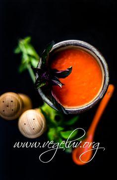 Vegeluv zupa pomidorowa z papryka