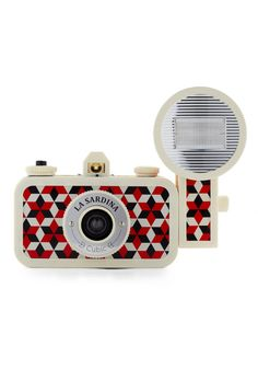 ModCloth party favors {La Sardina Lomography Camera in Cubic} Antique Cameras, Old Cameras, Vintage Cameras, Cute Camera, Retro Camera, Lomo Camera, Camera Gear, Photography Camera, Love Photography