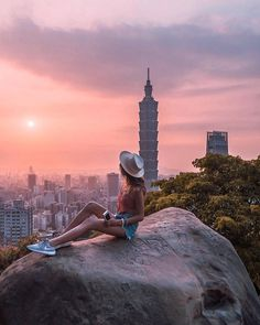 Apr this pin was discovered by liz Travel Pose, Travel Goals, Travel Style, Travel Photos, Travel Tips, Taipei 101, Taipei Taiwan, China Travel, Japan Travel