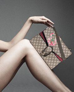 Gucci Testa Tigre Medium Geranium GG Blooms Shoulder Bag