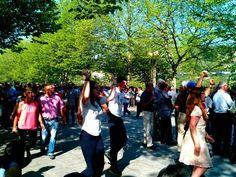 Boa Páscoa :) As danças e cantares em Arcos de #Valdevez está assim na tarde de hoje. Mais logo publicaremos o vídeo. - http://ift.tt/1MZR1pw -
