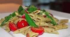 """Denne pastasalaten ble rett og slett til ved """"man bruker det man har i hus"""" Veldig enkel og rask å lage! Den passer flott både..."""