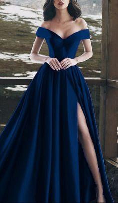 Split Prom Dresses, Navy Blue Prom Dresses, Cute Prom Dresses, Gala Dresses, Satin Dresses, Pretty Dresses, Strapless Dress Formal, Beautiful Dresses, Long Navy Dress