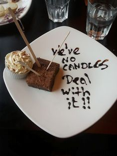 21 Of The Best Things That Ever Happened In A Restaurant Funny Qotes, Server Humor, Restaurant Humor, Server Life, Friday Humor, Great Restaurants, Funny Pictures, Good Things, Candles