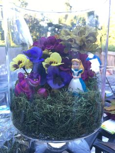 Table decoration I made for my cousins Disney themed baby shower. Table decoration I made for my cousins Disney themed baby shower. Disney Centerpieces, Diy Baby Shower Centerpieces, Baby Shower Table Decorations, Bridal Shower Tables, Balloon Centerpieces, Mason Jar Centerpieces, Centerpiece Ideas, Disney Decorations, Baby Showers