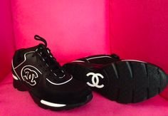 CHANEL CC LOGO 13C BLACK WHITE TENNIS SNEAKERS, purchase at theCIRCEeffect.com. Will ship worldwide.