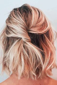 It's possible to part your hair in the center or sideways, then be small French braids at the sides, then make a huge braid with the remainder of th. Short Hair Styles Easy, Short Hair Cuts, Medium Hair Styles, Curly Hair Styles, Natural Hair Styles, Updos With Short Hair, Updos For Bobs, Medium Hair Updo Easy, Short Hair Braids Tutorial