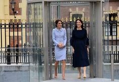 """Kate Middleton Photos Photos - Britain's Catherine, Duchess of Cambridge (L) leaves with Mauritshuis' museum director Emilie Gordenker after visiting the exhibition """"Vermeer and Contemporaries from the British Royal Collection"""" at The Mauritshuis art museum - home to the best of Dutch Golden Age painting, in The Hague, the Netherlands, on October 11, 2016.  .Britain's Catherine, Duchess of Cambridge is on her first official foreign solo visit. / AFP / EMMANUEL DUNAND - The Duchess of…"""