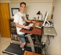 Work out while you work: More employees using treadmill desks, standup desks at office Treadmill Desk, New Mummy, Stand Up Desk, Star Wars, Industrial Office, Office Looks, You Working, Contemporary Furniture, Office Furniture