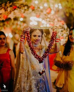 The garland of togetherness & happiness ? Informations About Varmala Ceremon You are in the right place about garden wedding cerem Wedding Ceremony Pictures, Wedding Ceremony Music, Indian Wedding Ceremony, Wedding Ceremony Decorations, Boho Wedding, Garden Wedding, Most Beautiful Pictures, Garland, Happiness