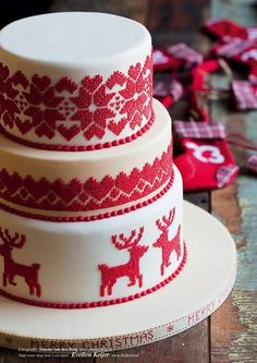 Cross-stitch effect Christmas cake - beautiful                                                                                                                                                                                 More