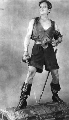 Still of Douglas Fairbanks Sr. in The Black Pirate Hollywood Actor, Golden Age Of Hollywood, Old Hollywood, Classic Hollywood, Hero Movie, Movie Tv, Movie Theater, Douglas Fairbanks, Mary Pickford