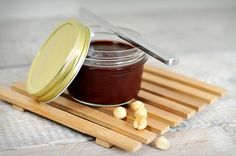 Hazelnootpasta maken met rauwe cacao in 10 min, misschien scheutje kokosmelk bij