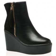 Reyna Ankle Boots In Black