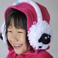 Be it for fun or for protection, it sure spice up your winter with this cute sheep earmuffs (pattern and tutorial included)