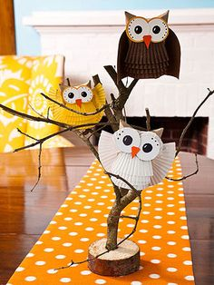 Owls made from cardboard tube and paper cupcake liners - bjl