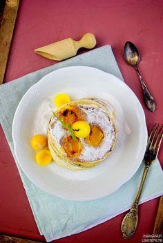 Owocowe pancakes na śmietanie