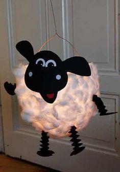 DIY sheep lantern: in 3 steps to a beautiful lantern for St. Martin - DIY sheep lantern: 3 steps to a beautiful lantern for St. Diy For Kids, Crafts For Kids, Lantern Craft, Diy And Crafts, Arts And Crafts, Recycled Crafts, Shaun The Sheep, Paper Lanterns, Creative Kids
