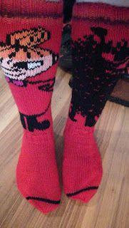 Arjen pieniä onnen hetkiä: Pikkumyy-haisuli villasukat Wool Socks, Knitting Socks, Knitting Ideas, Moomin, Knit Crochet, Fabric, How To Make, Tove Jansson, Fashion