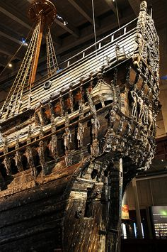 - Vasa Stern It sunk on its maiden voyage - in Stockholm harbor… Big Yachts, Luxury Yachts, Model Sailing Ships, Model Ships, Vasa Ship, Viking Yachts, Sailing Quotes, Full Sail, Yacht Interior