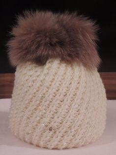 bílý kulich pletený