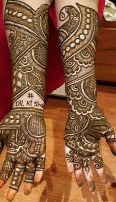 Check out the 60 simple and easy mehndi designs which will work for all occasions. These latest mehandi designs include the simple mehandi design as well as jewellery mehndi design. Getting an easy mehendi design works nicely for beginners. Indian Henna Designs, Latest Bridal Mehndi Designs, Full Hand Mehndi Designs, Stylish Mehndi Designs, Mehndi Designs 2018, Mehndi Designs For Beginners, Wedding Mehndi Designs, Beautiful Mehndi Design, Latest Mehndi