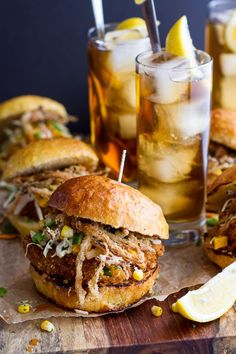 Sweet Tea Oven-Fried Chicken Sliders w/Jalapeño Cheddar Corn.-Sweet Tea Oven-Fried Chicken Sliders w/Jalapeño Cheddar Corn Slaw 'n Crispy Onions - Slider Recipes, Burger Recipes, Game Recipes, Bon Appetit Bien Sur, Fingers Food, Sweet Tea Recipes, Oven Fried Chicken, Corn Chicken, Chicken Gravy