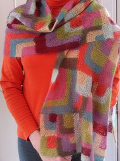 Free Scrap Yarn Knitting Patterns - Free Knitting Pattern for Modern Quilt Wrap Knifty Knitter, Loom Knitting, Knitting Patterns Free, Free Knitting, Crochet Patterns, Free Pattern, Knitted Flower Pattern, Knitted Flowers, Knitting Projects