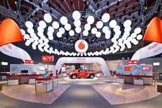 Monumentaler Messeauftritt von Vodafone auf der CeBIT 2013. - MATT CIRCUSMATT CIRCUS